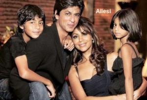 Shahrukh-Khan-esi-ve-cocuklari